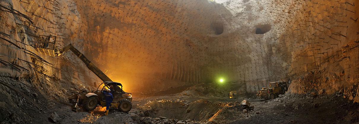 Укрепителни, заздравителни, изолационни и ремонтни дейности в минната индустрия.